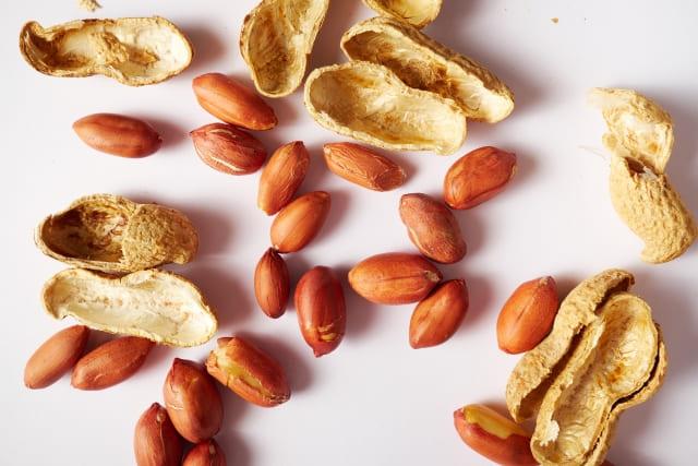 ファミマ「チョコボールアイス ピーナッツ」のカロリーと糖質量は?太らない食べ方はある?